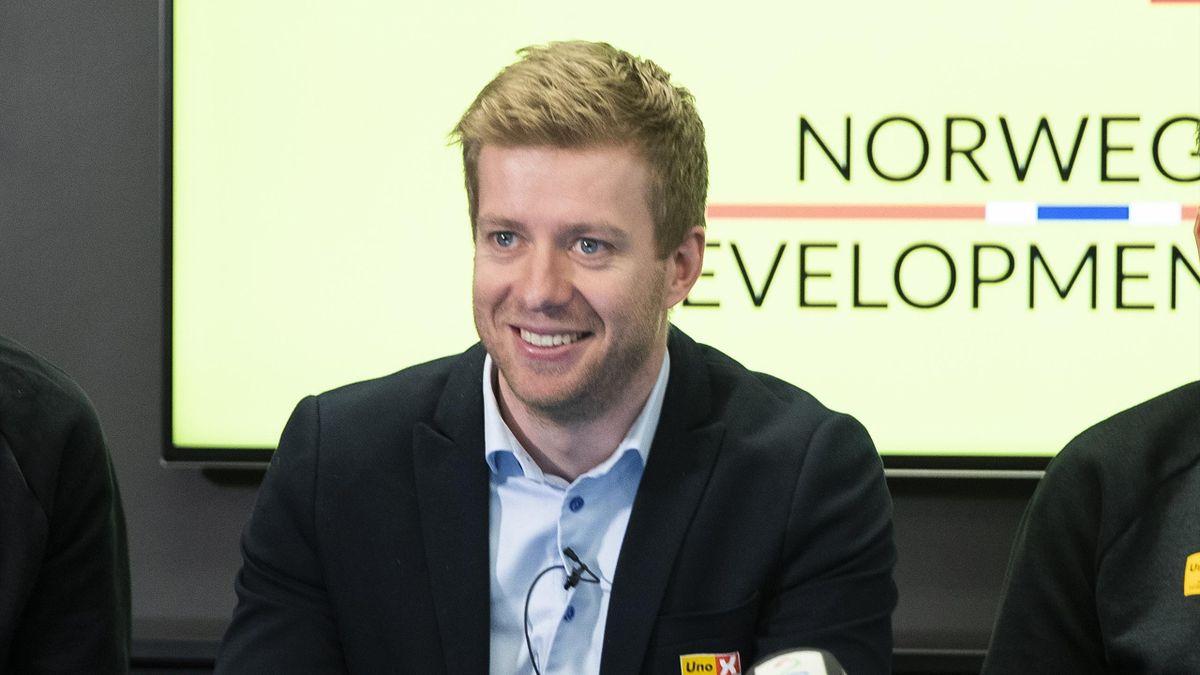 Jens Haugland under presentasjonen til Det norske sykkellaget Uno-X, der de la frem sine framtidsplaner.