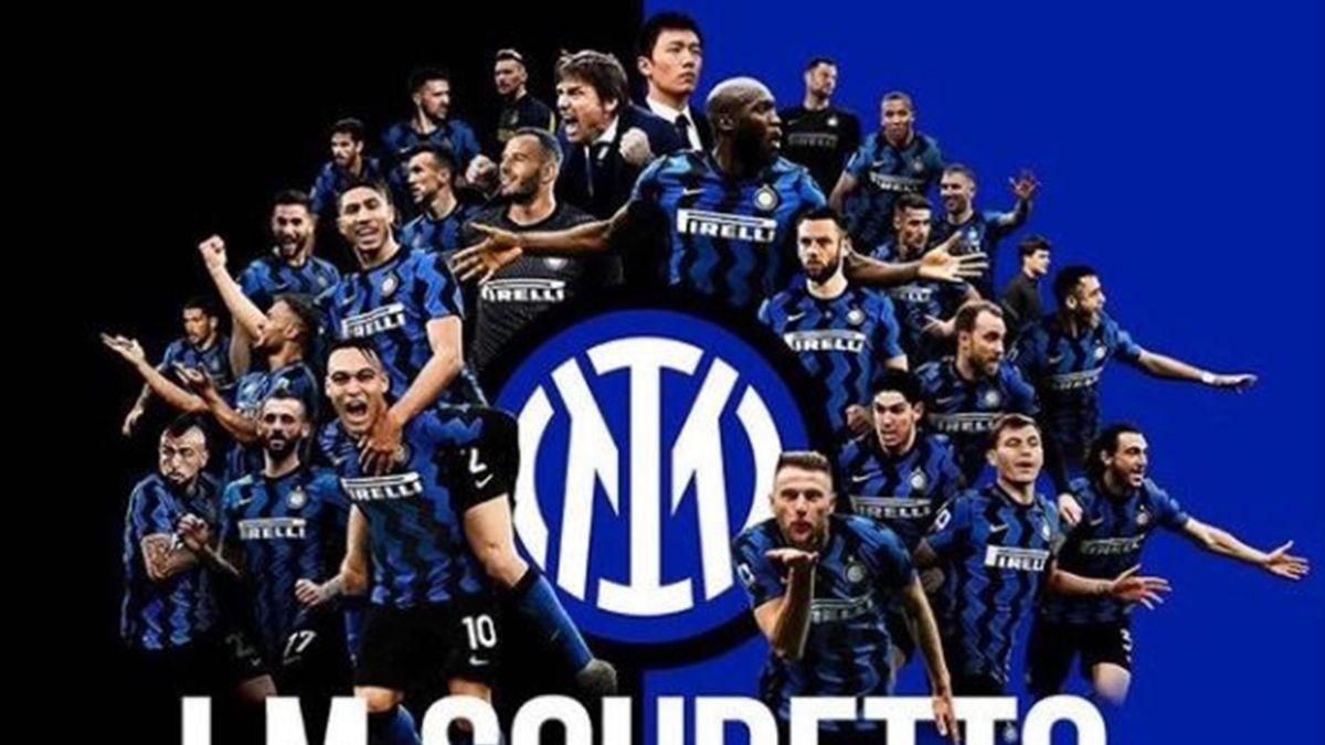La foto celebrativa dell'Inter per lo Scudetto
