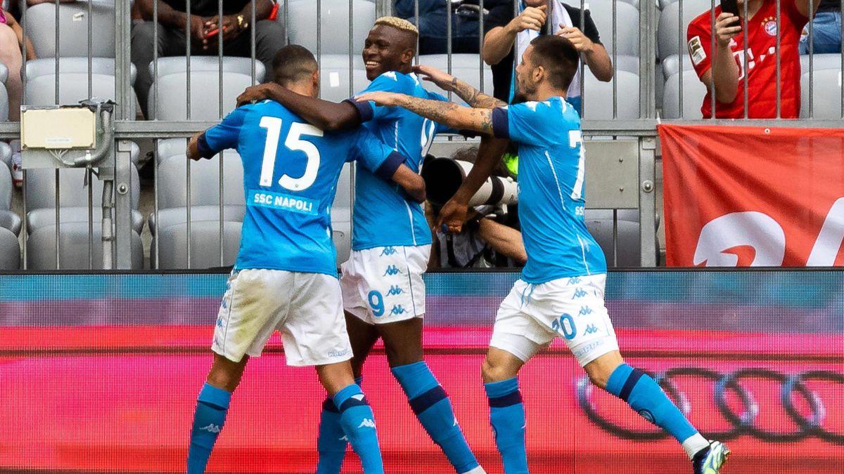 Osimhen segna il gol del vantaggio nell'amichevole Bayern Monaco-Napoli - Imago