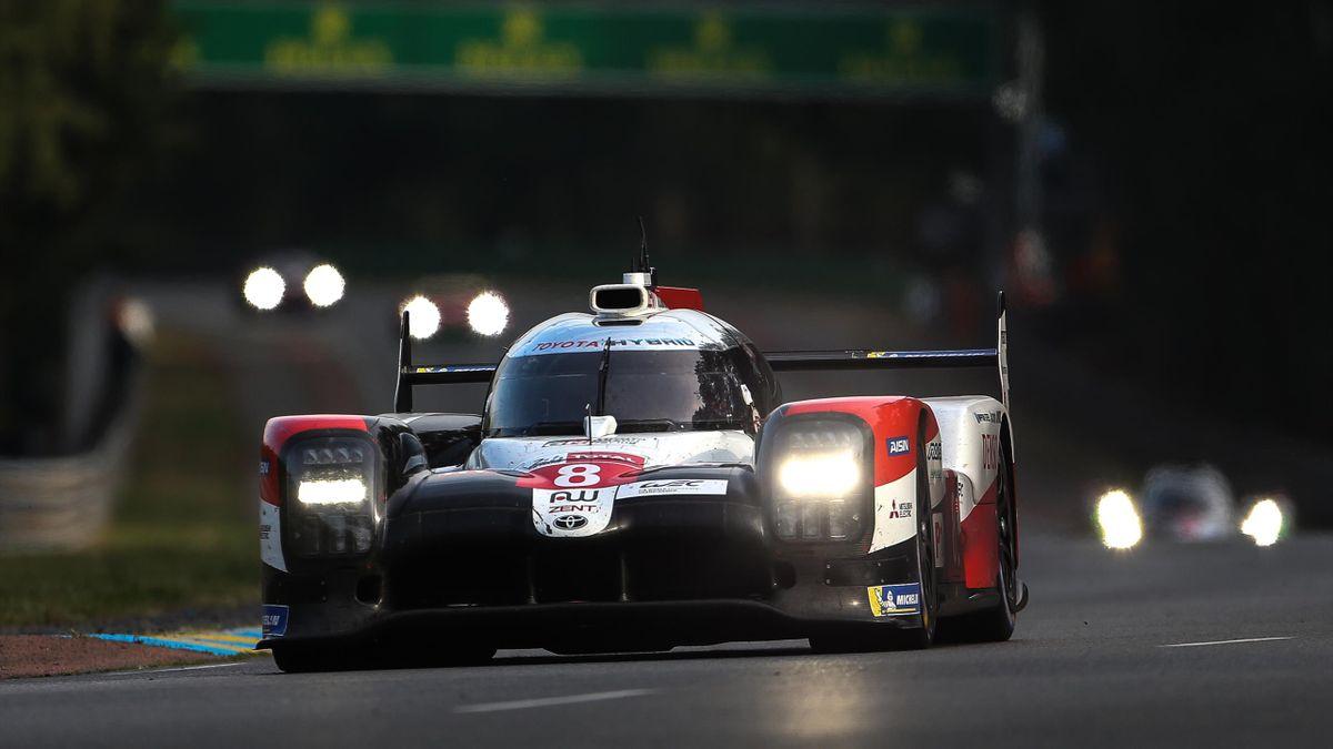 Toyota steuert in der LMP1 auf einen Sieg beim 24-Stunden-Rennen von Le Mans zu