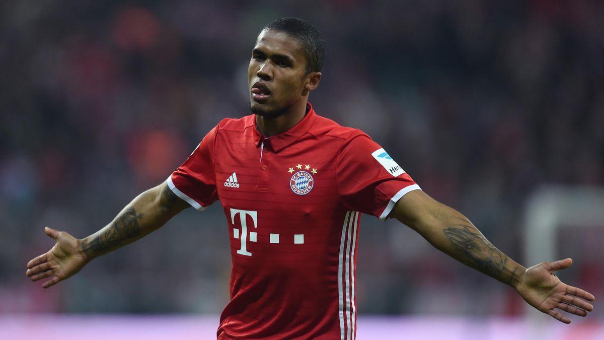Douglas Costa scores for Bayern Munich - 2016