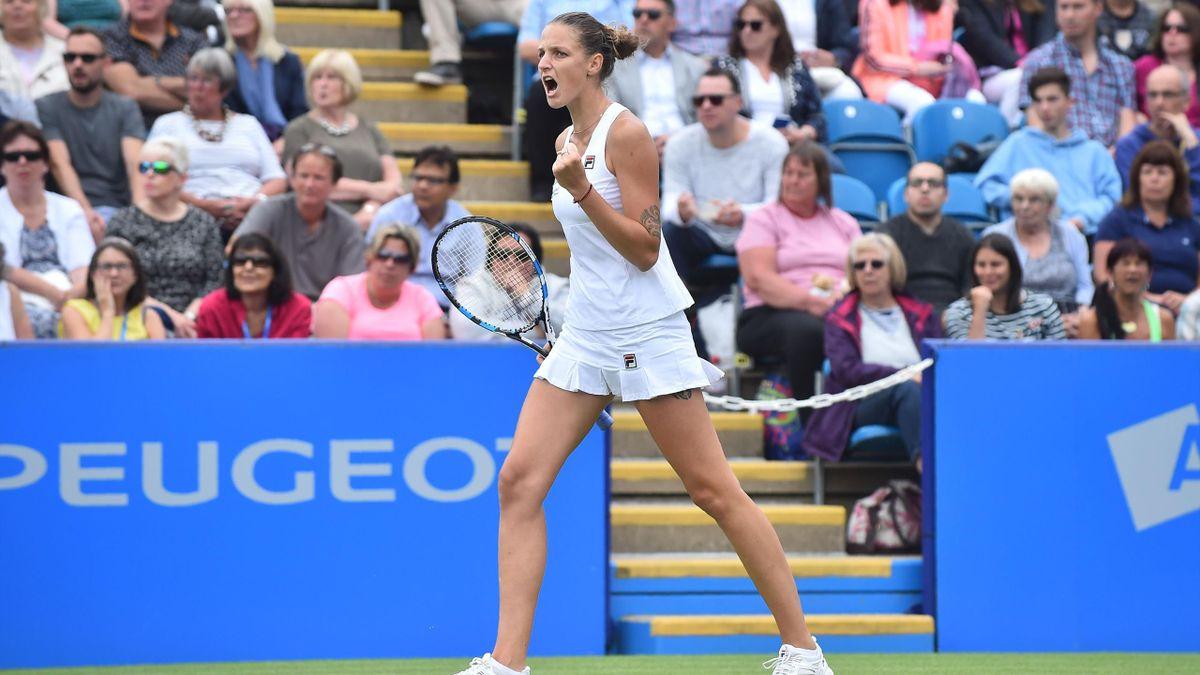 Karolina Pliskova on way to winning Eastbourne title.