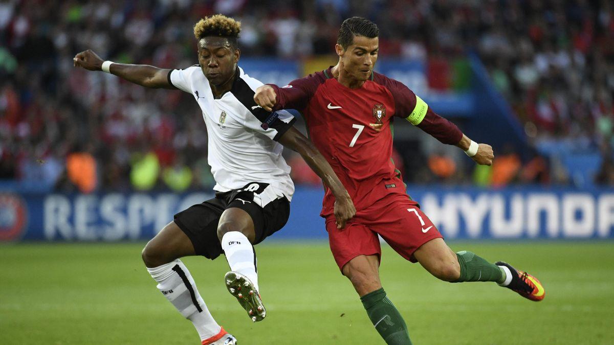 Cristiano Ronaldo et David Alaba au duel lors de Portugal-Islande