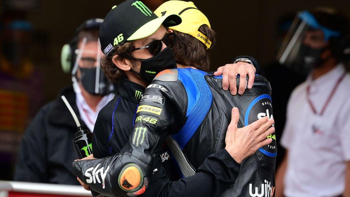 Motogp Valentino Rossi Caduta Di Luca Marini Gli E Andata Bene Eurosport