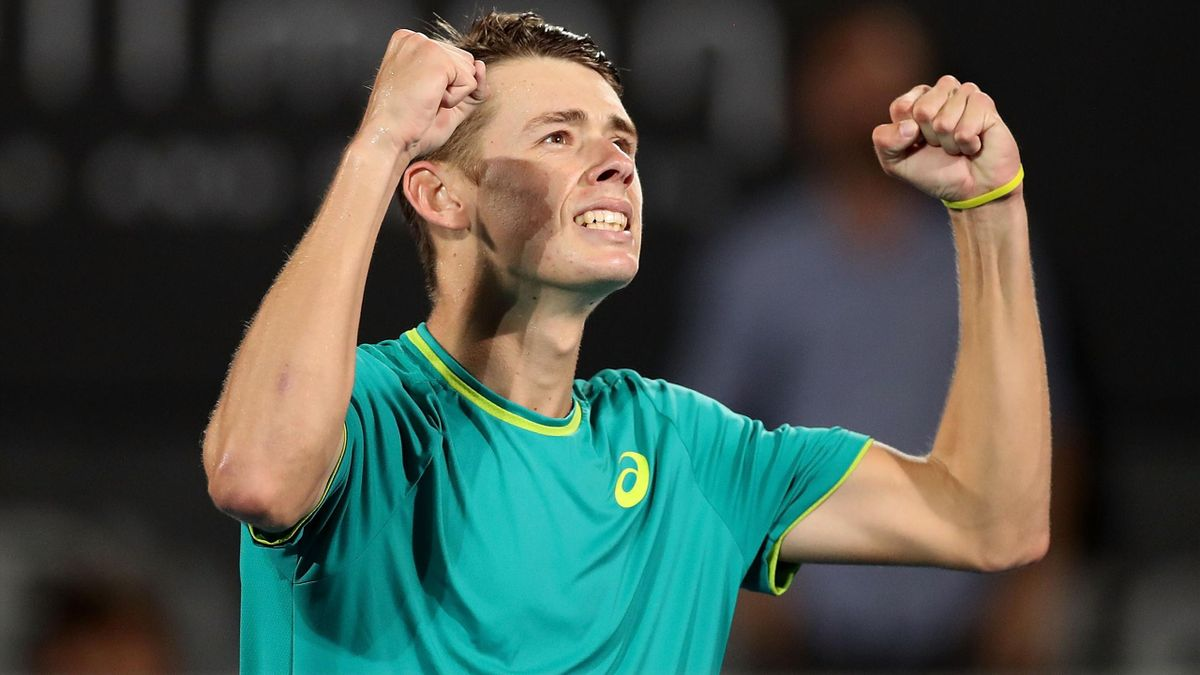 Alex de Minaur of Australia celebrates winning match point in his quarter final match against Feliciano Lopez of Spain during day five of the 2018 Sydney International at Sydney Olympic Park.