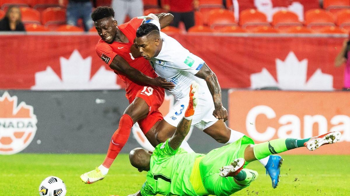 Kanadas Alphonso Davies (li.) im WM-Qualifikationsspiel gegen Panama