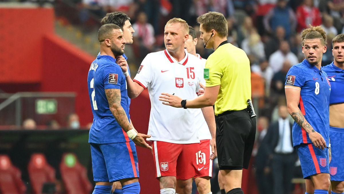 Кайл Уокер и Камиль Глик в матче Польша – Англия