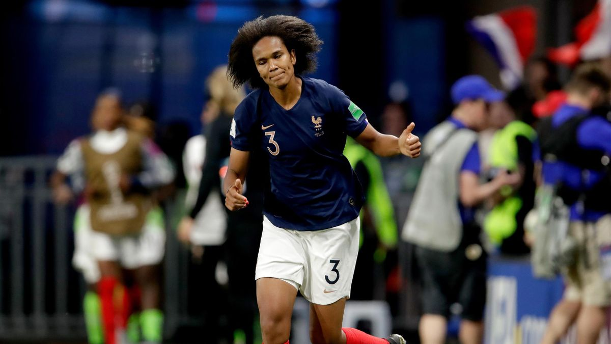 RENNES, FRANCE - JUNE 17: Wendie Renard of France Women celebrates 1-0 during the World Cup Women match between Nigeria v France at the Roazhon Park on June 17, 2019 in Rennes France (Photo by Eric Verhoeven/Soccrates/Getty Images)