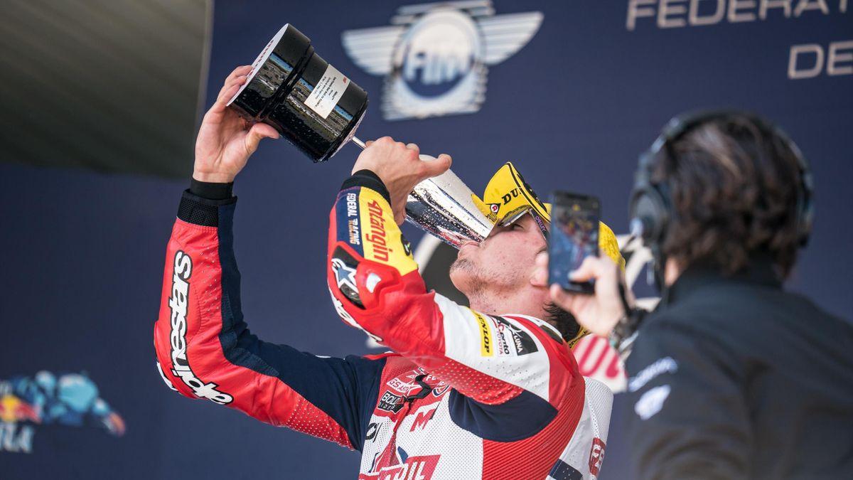 Fabio Di Giannantonio festeggia al GP di Spagna