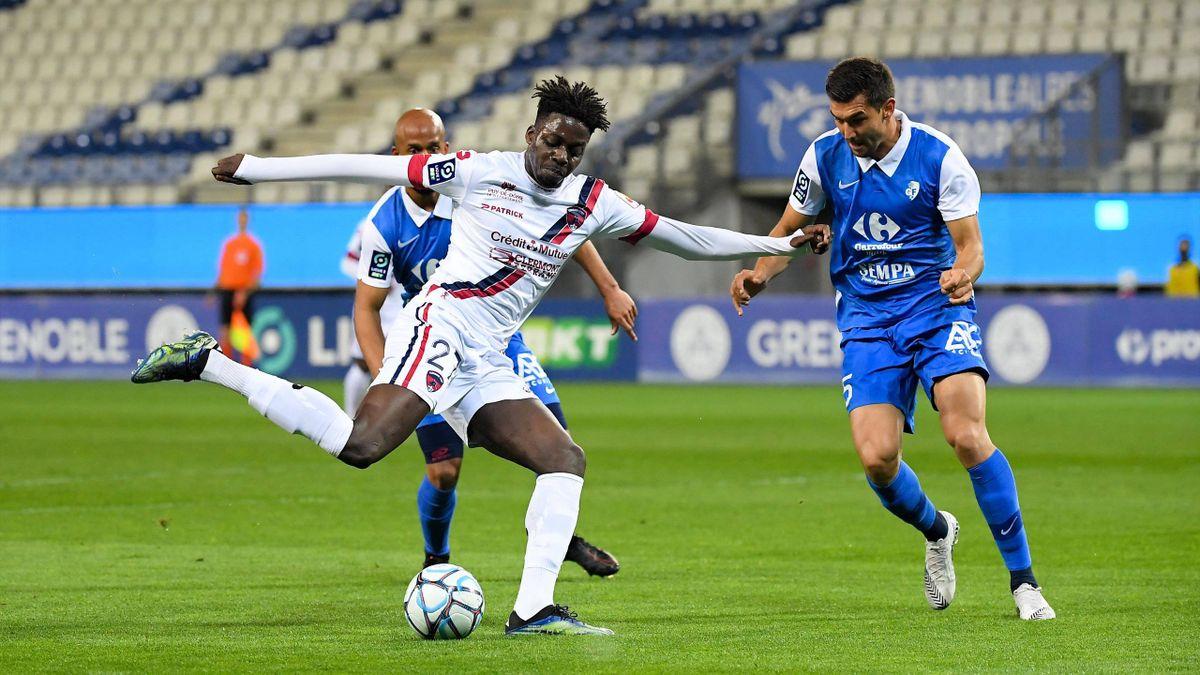 Mohamed Bayo, meilleur buteur de Ligue 2 avec Clermont, et buteur contre Grenoble