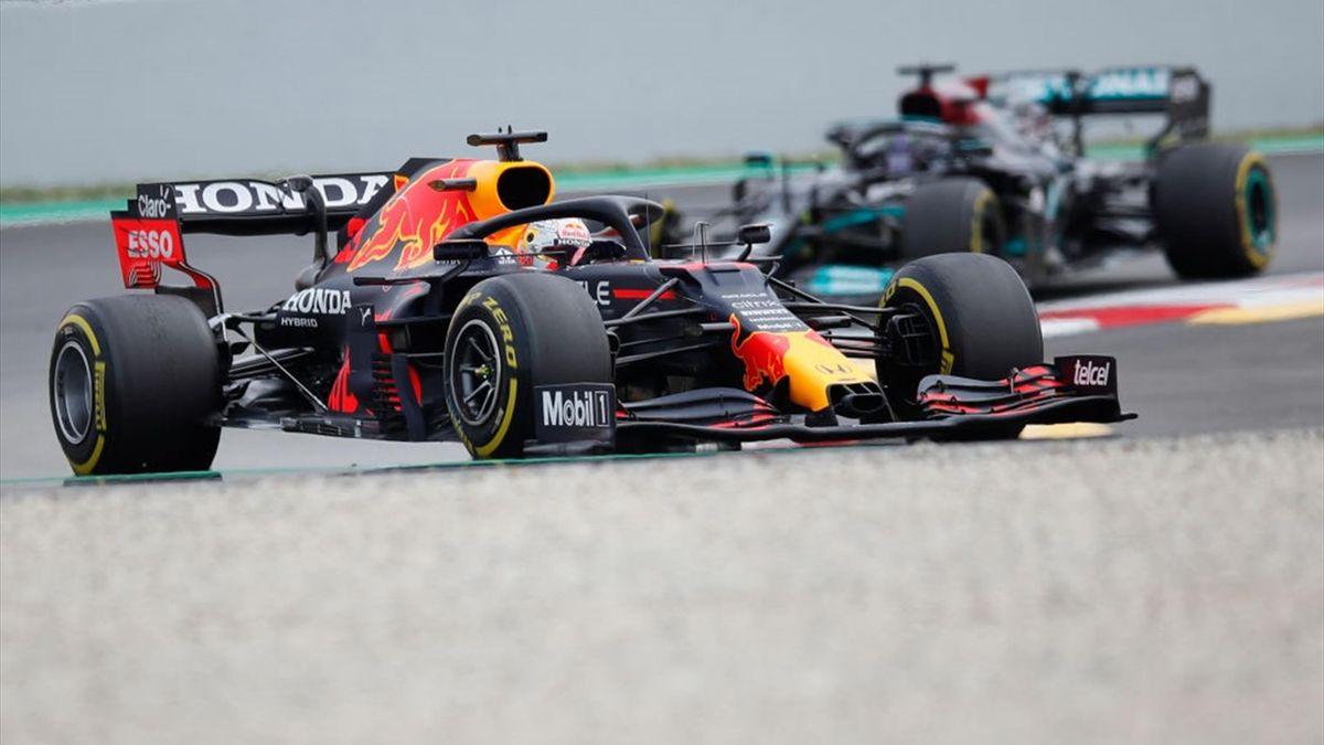Max Verstappen (Red Bull), Lewis Hamilton (Mercedes)