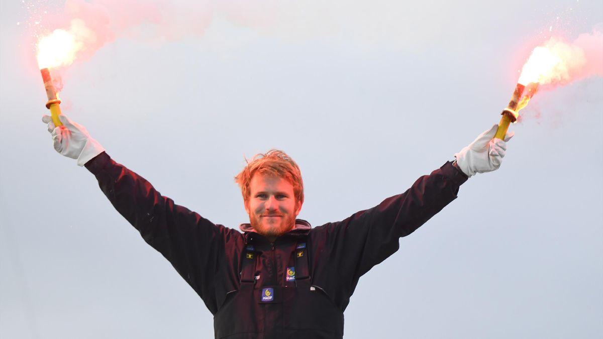 Francois Gabart à ol'arrivée de son tour du monde en solitaire le 17 décembre 2017 à Brest
