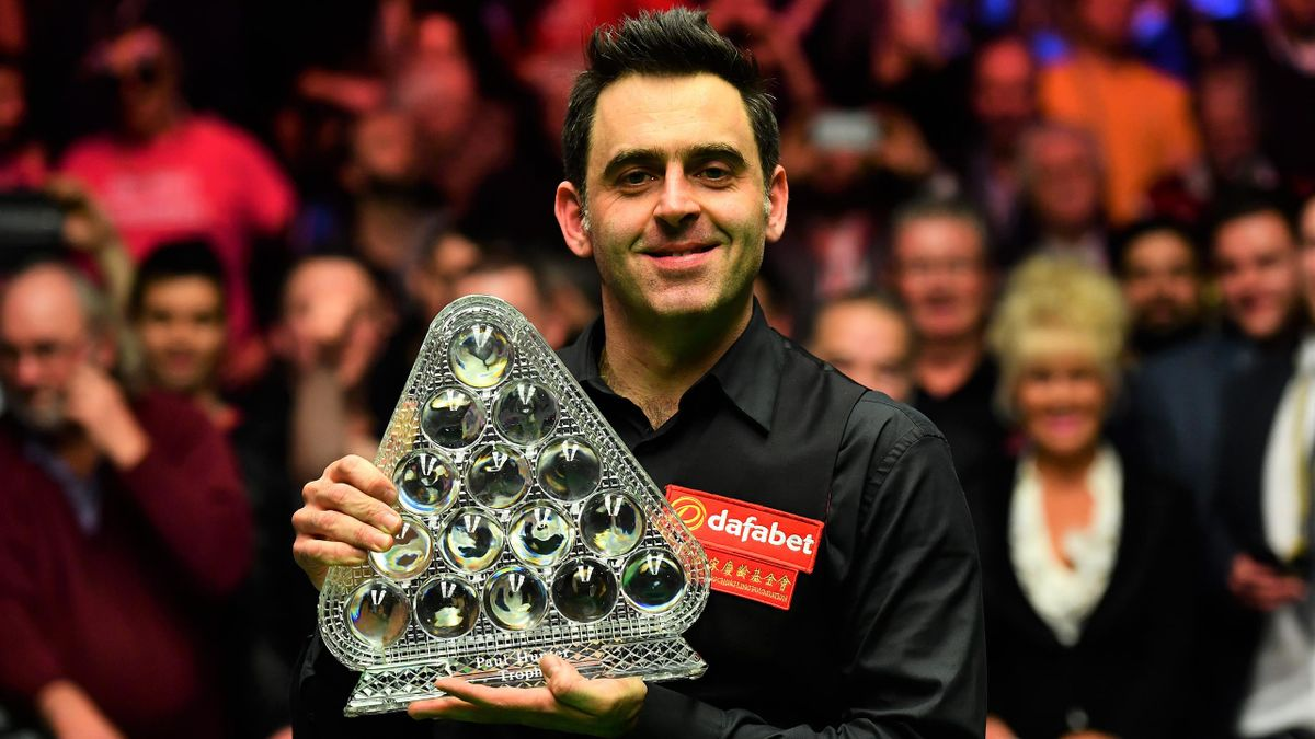 Ronnie O'Sullivan with the Masters title.