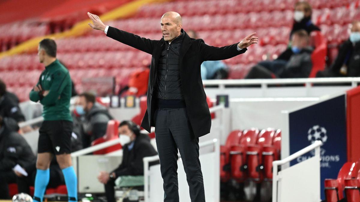 Zidane, en el duelo frente al Liverpool.