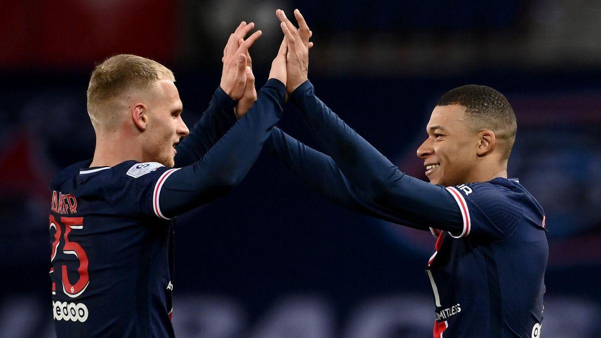 Mitchel Bakker (links) und Kylian Mbappé - Paris Saint-Germain