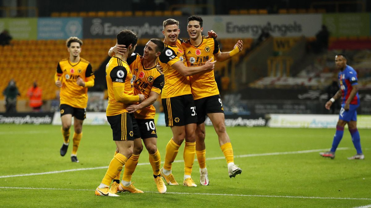 Daniel Podence of Wolverhampton Wanderers celebrates