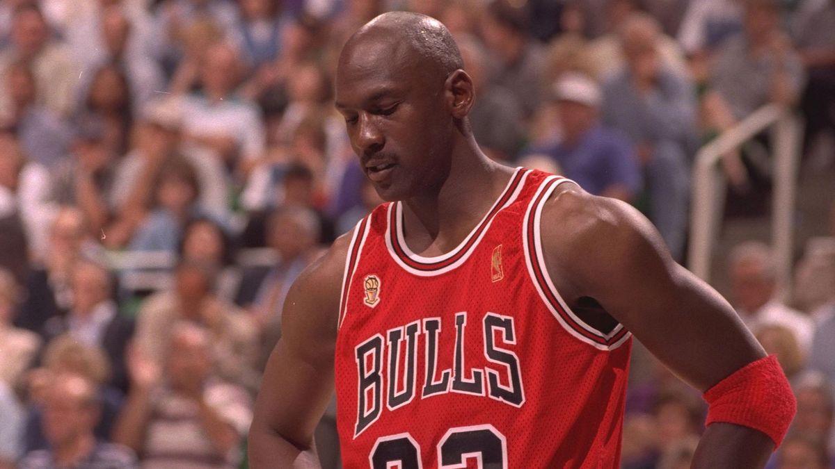Michael Jordan a lucrat ca ospătar în timpul liceului