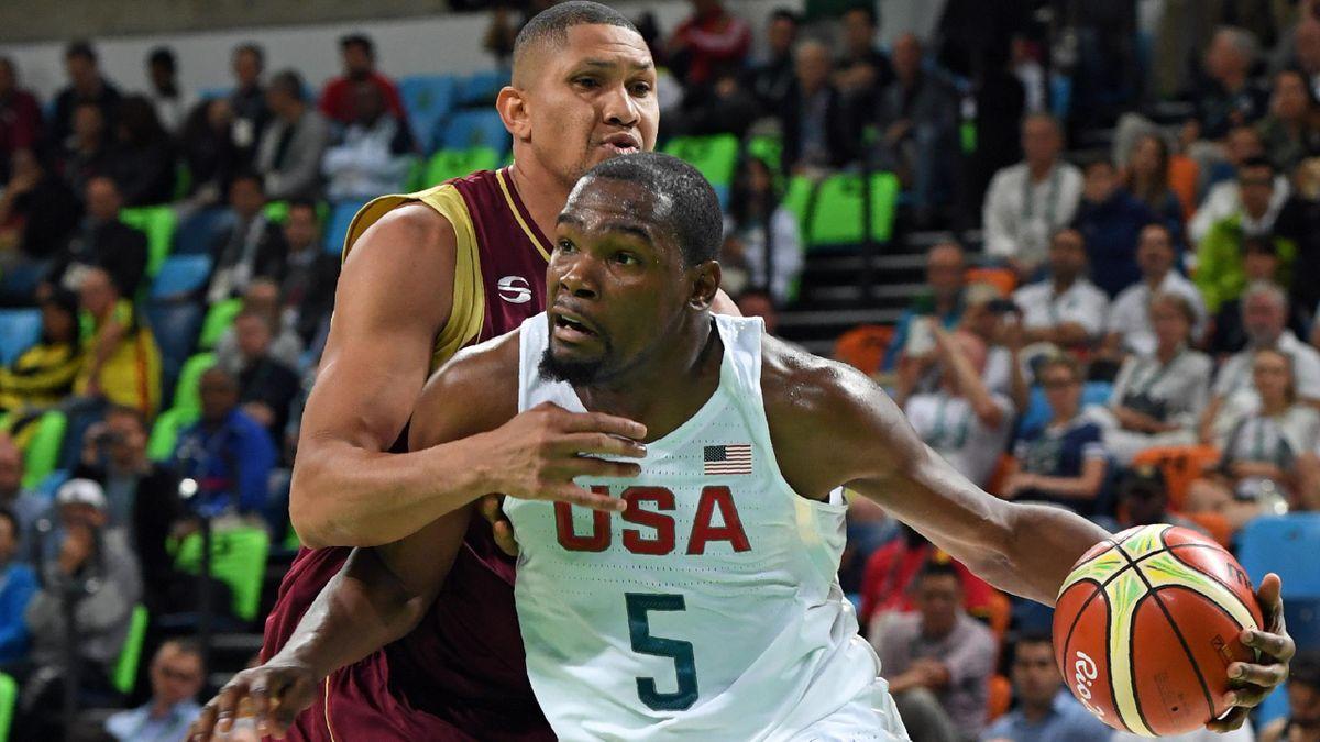 Kevin Durant und Team USA schlagen Venezuela.