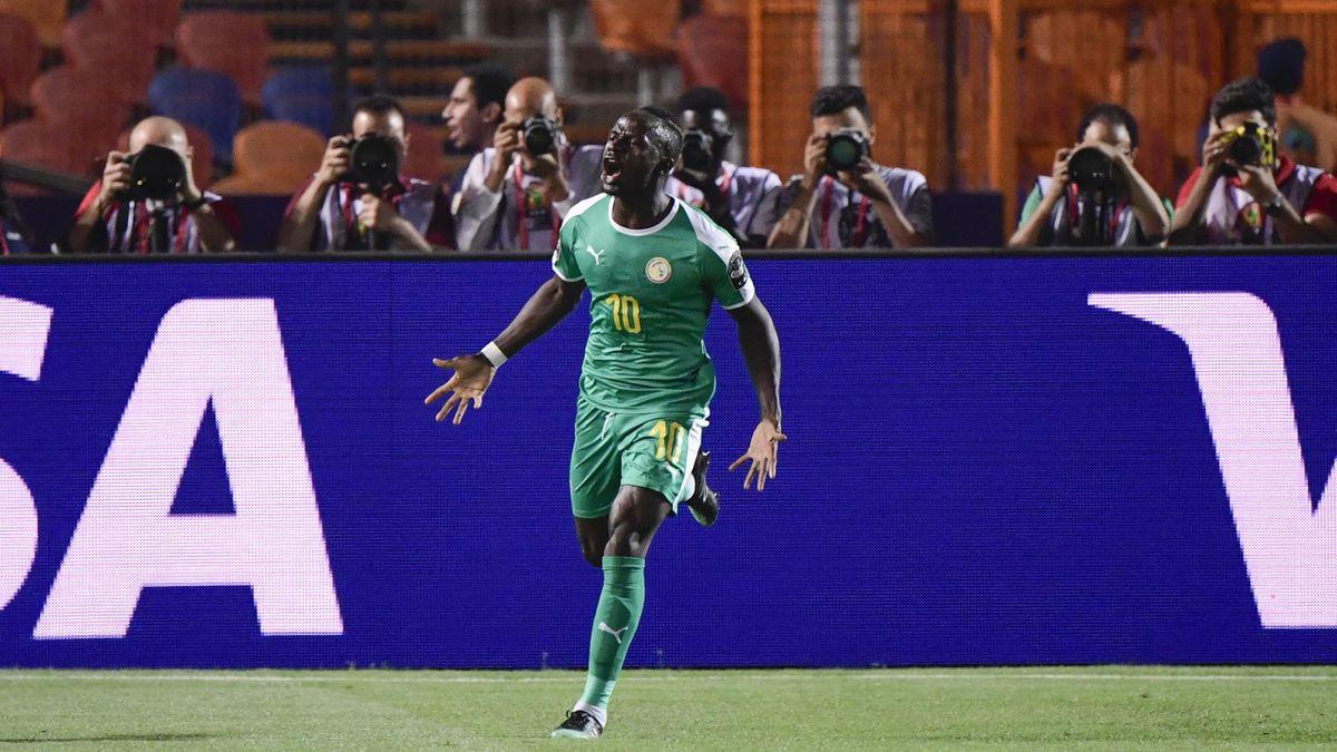 Sadio Mané esulta dopo il gol  in Uganda-Senegal - Coppa d'Africa 2019