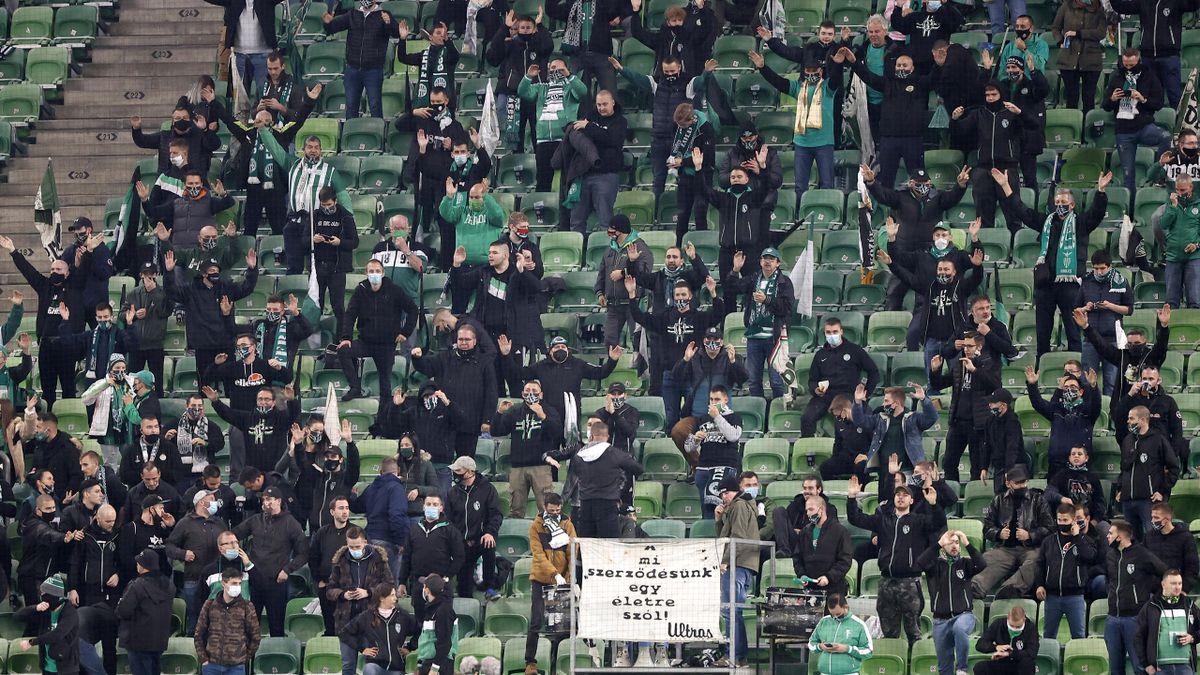 I tifosi del Ferencvaros in tribuna nel match contro la Dinamo Kiev, Getty Images