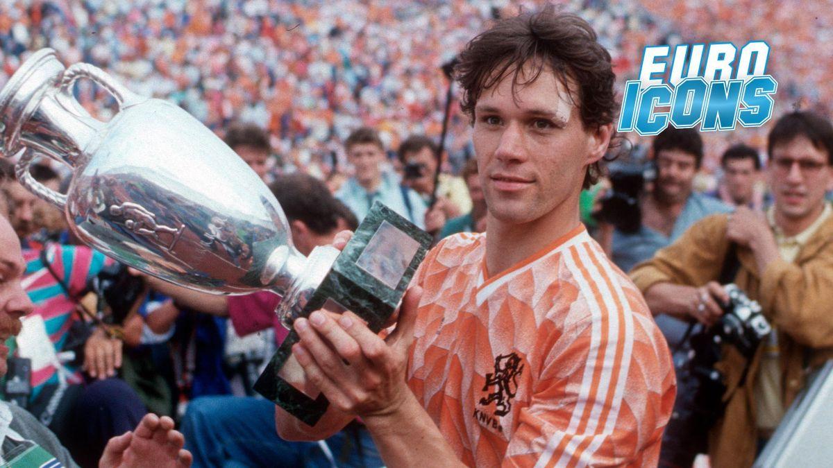 Marco van Basten tolds the Euro 88 trophy