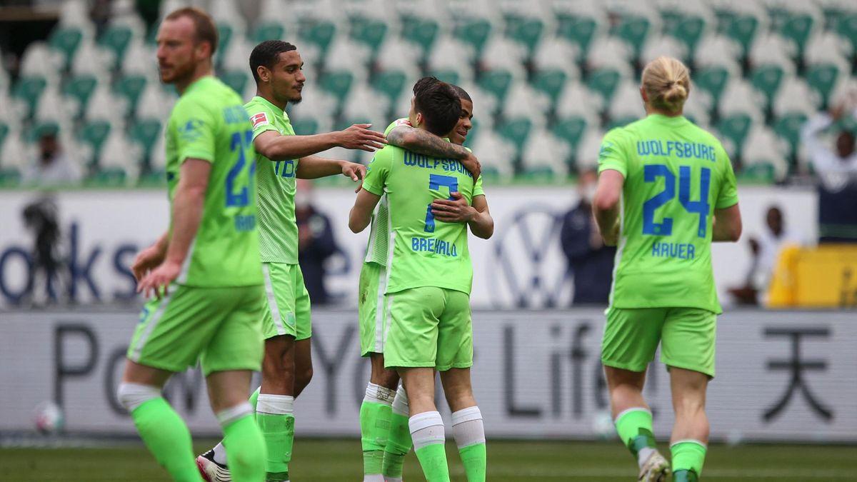 Der VfL Wolfsburg führt gegen Union Berlin
