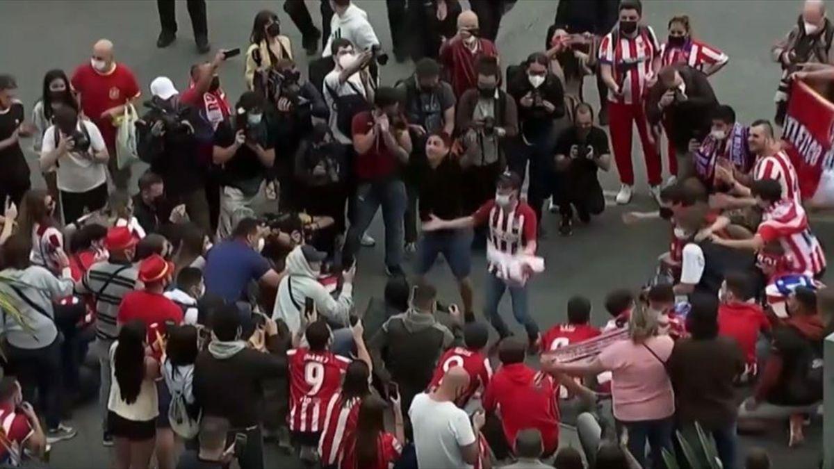 Fans von Atlético Madrid feiern den Titelgewinn in La Liga