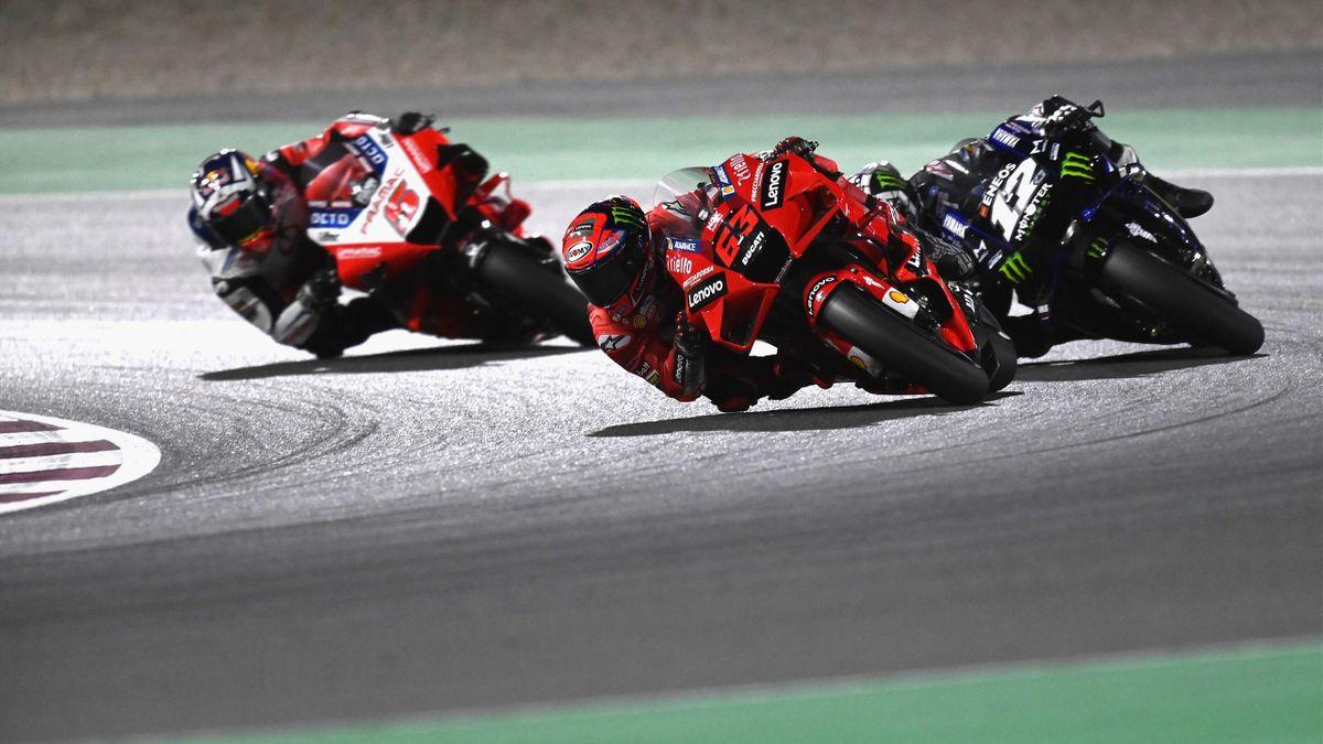 Una splendida piega di Pecco Bagnaia, il pilota alla prima gara nel team ufficiale Ducati ha comandato la gara per 16 giri