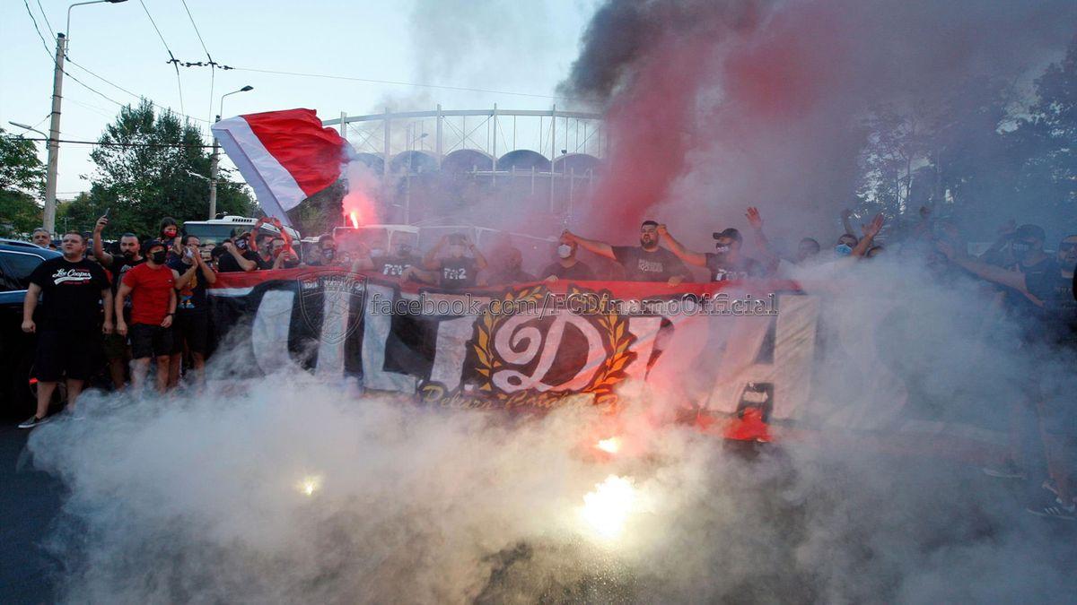 Fanii lui Dinamo, înaintea meciului cu FC Hermannstadt