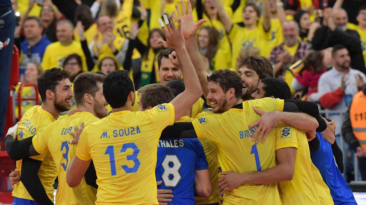 La joie des Brésiliens, qualifiés pour la finale de la Ligue Mondiale (2017).