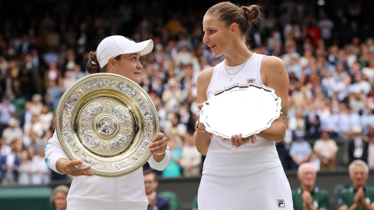 shleigh Barty of Australia celebrates with the Venus Rosewater Dish trophy after winning her Ladies' Singles Final match against Karolina Pliskova of The Czech Republic