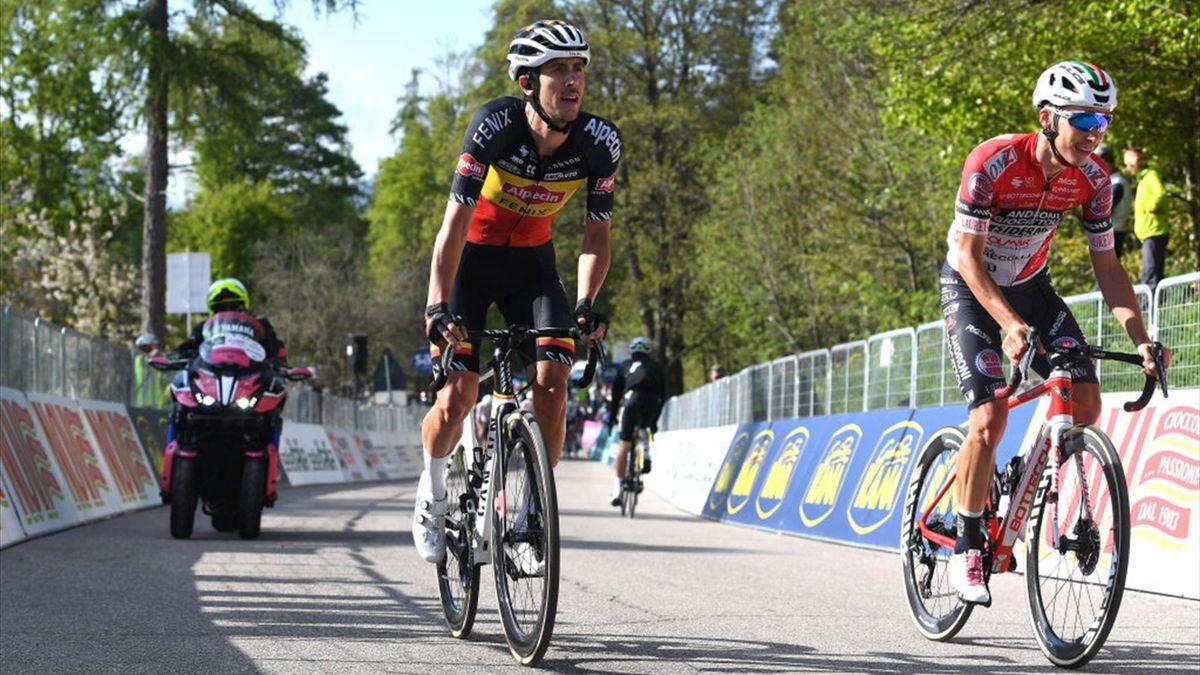 Dries De Bondt e Simon Pellaud all'arrivo di Sega di Ala - Giro d'Italia 2021