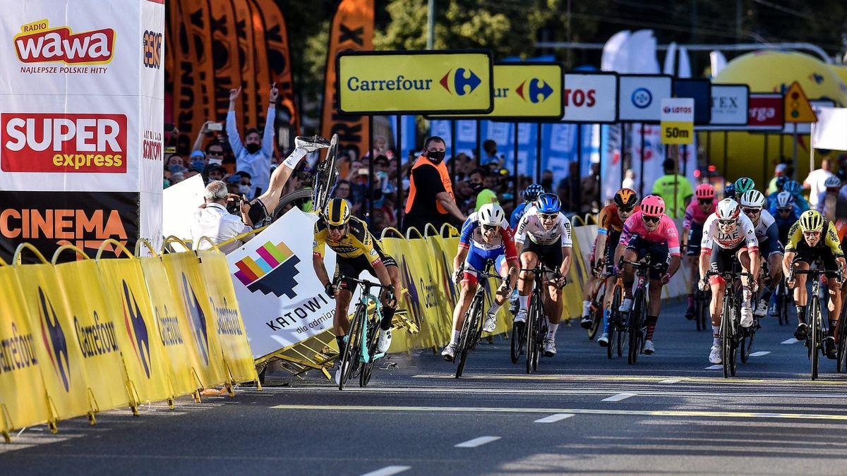 Jakobsen s-a accidentat grav după ce Gronewegen l-a împins în decor, în prima etapă din Turul Poloniei