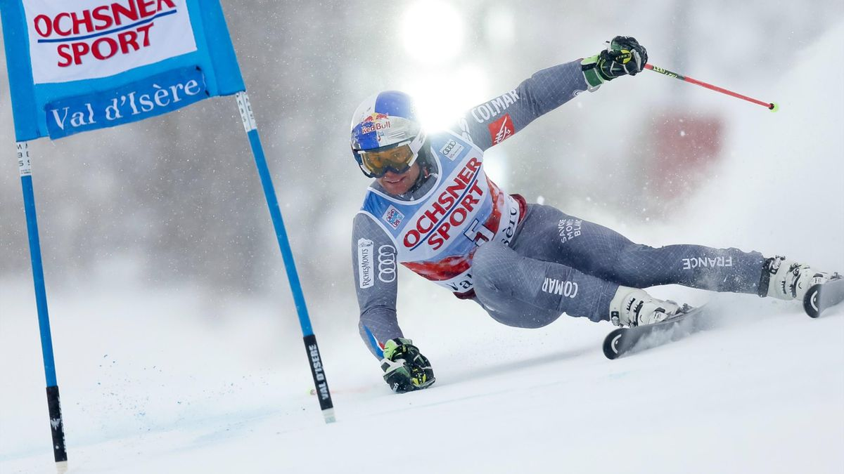 Alexis Pinturault of France in action during the Audi FIS Alpine Ski World Cup Men's Giant Slalom on December 9, 2017 in Val-d'Isere