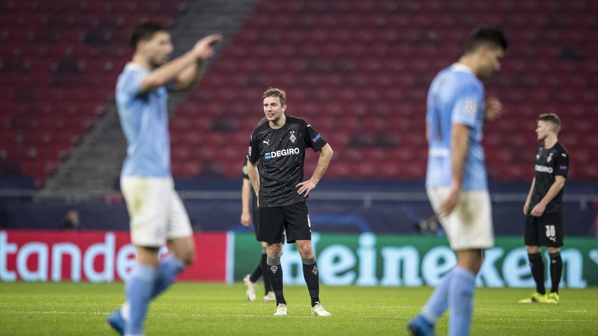 Christoph Kramer (M.) guckt bedient - Borussia Mönchengladbach vs. Manchester City