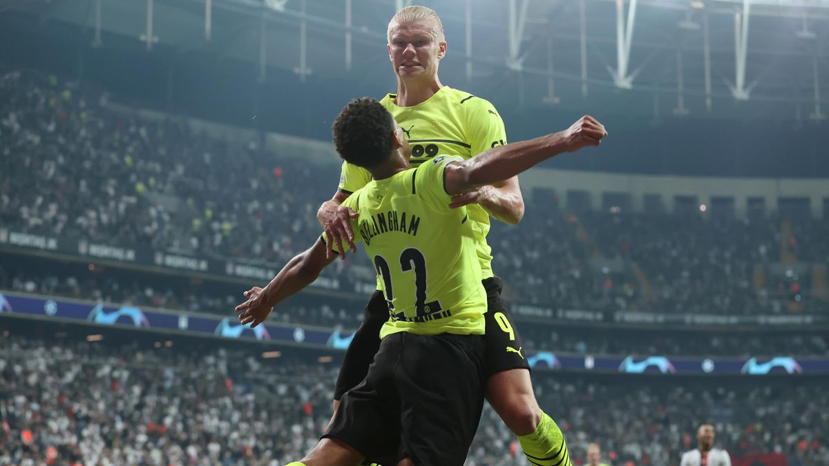 ISTANBUL, TURKEY - SEPTEMBER 15: Erling Haaland of Borussia Dortmund celebrates with teammate Jude Bellingham after scoring their side's second goal during the UEFA Champions League group C match between Besiktas and Borussia Dortmund at Vodafone Park on