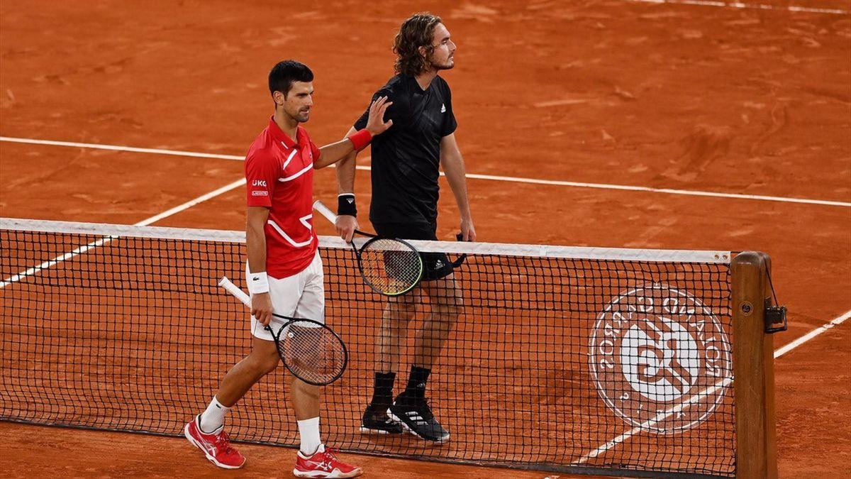 Vier jaar na zijn enige eindzege op Roland Garros is Novak Djokovic terug in de finale. De topseed versloeg Stefanos Tsitsipas. Nadal haalde zijn 13e eindstrijd via winst op Diego Schwartzman.