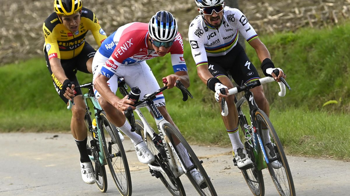 Mathieu van der Poel getting whit short wiggly on his way to winning the Tour of Flanders in 2020