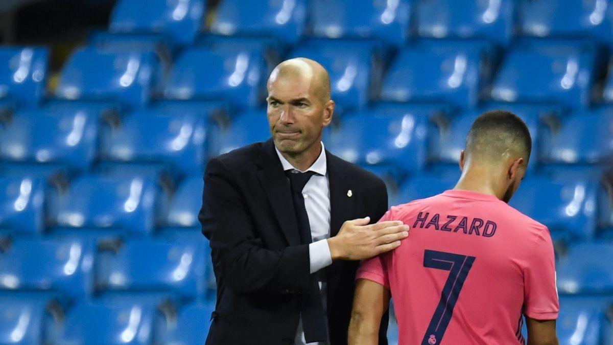 Zinédine Zidane, aux côtés d'Eden Hazard.