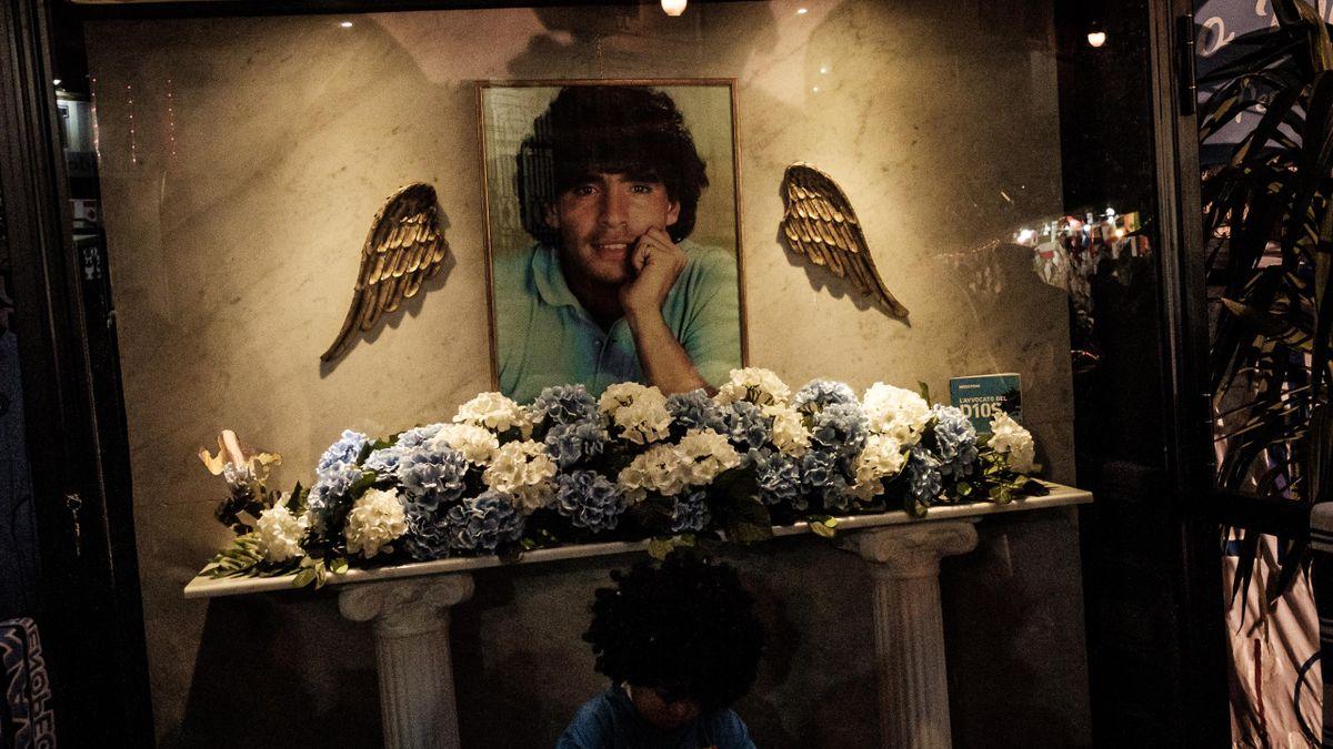 Диего Марадона, церковь в память о футболисте, Неаполь