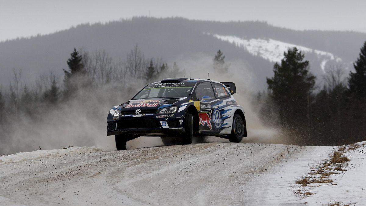 Sebastien Ogier narrowly extended his Rally Sweden lead