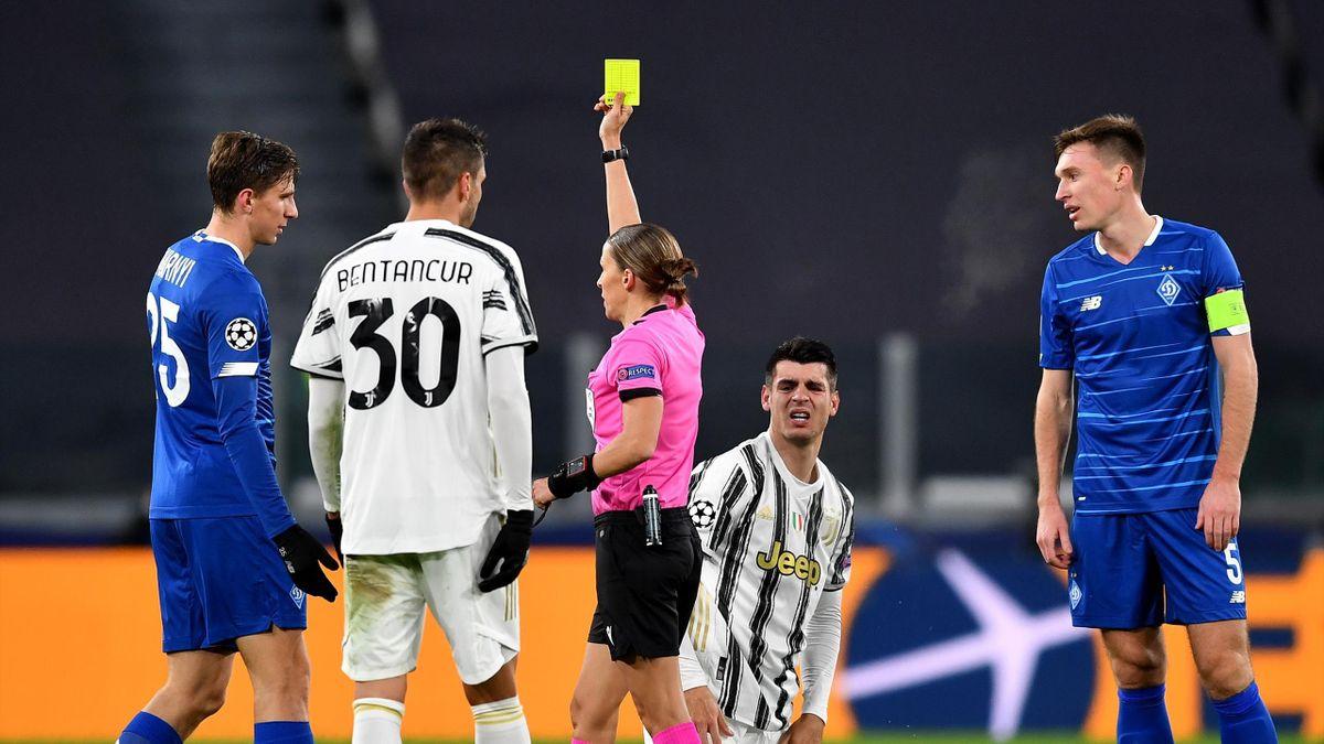 Stephanie Frappart ammonisce Zabarnyi, Juventus-Dinamo Kiev, Getty Images