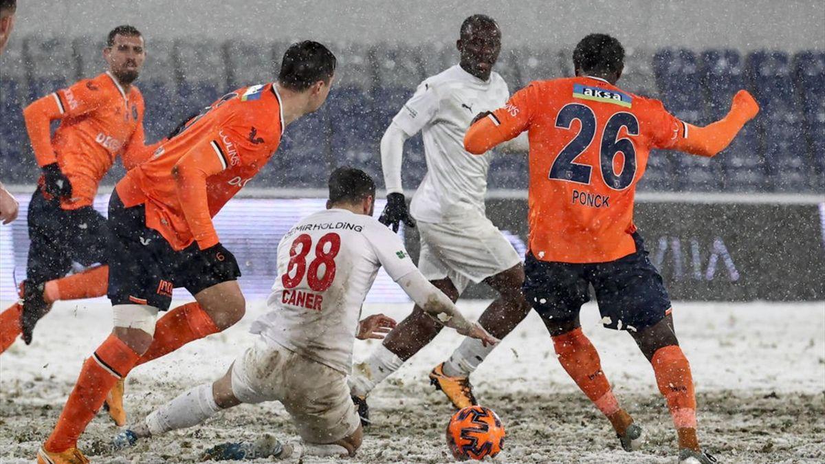 Partita invisibile tra Basaksehir e Sivasspor