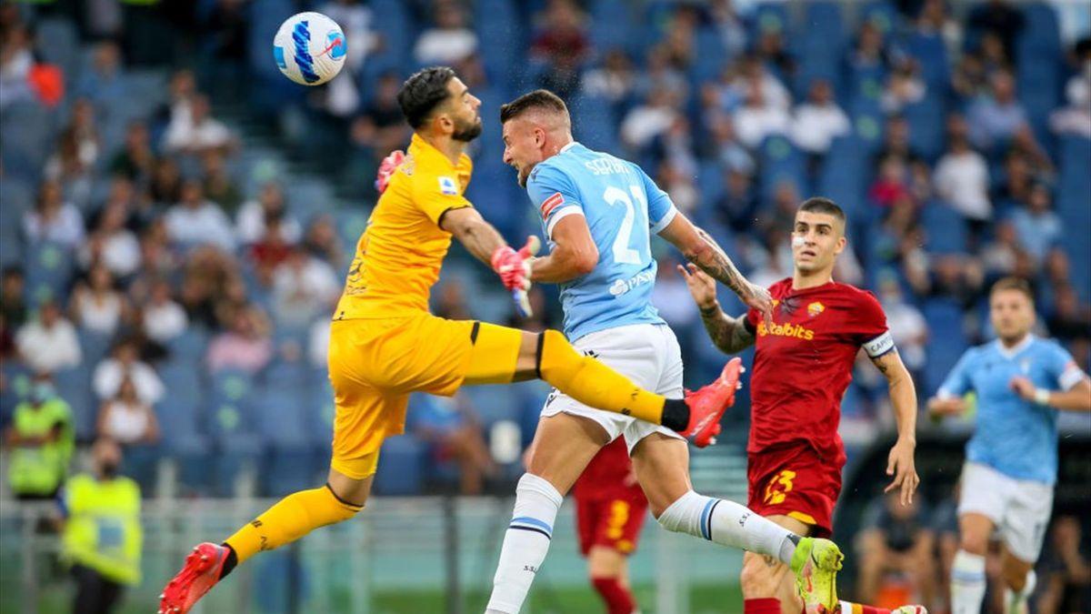 Il colpo di testa di Milinkovic Savic che batte Rui Patricio nel derby Lazio-Roma - Serie A 2021/2022