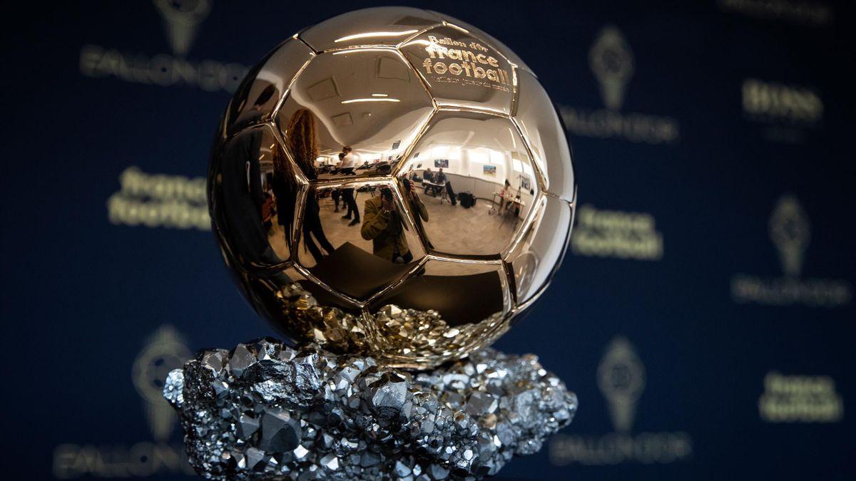 Le Ballon d'Or, mythique trophée de la planète football.