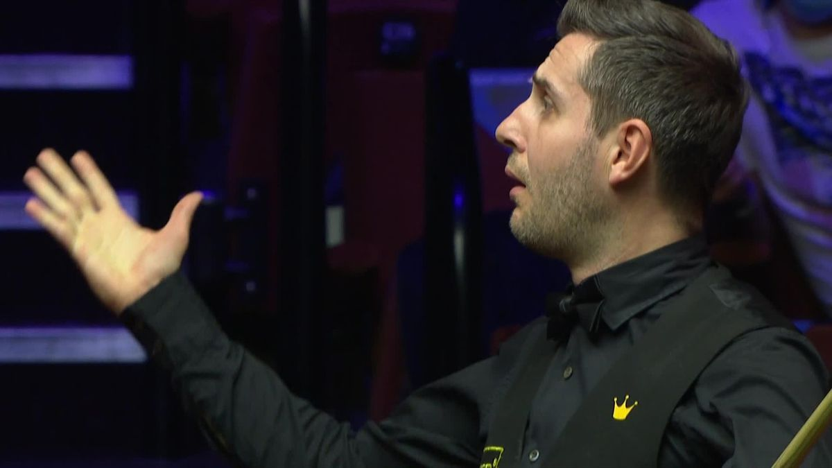 Selby can't believe his luck with 'spectacular' fluke against Bingham