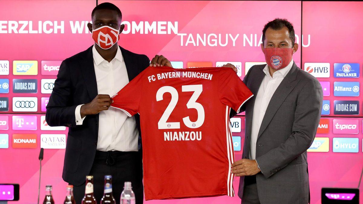 FC Bayern München | Tanguay Kouassi Nianzou (links) und Hasan Salihamidzic (rechts)