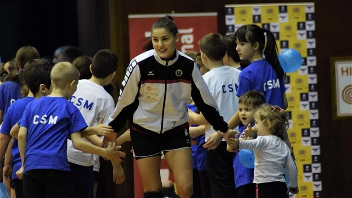 Alexandra Dindiligan