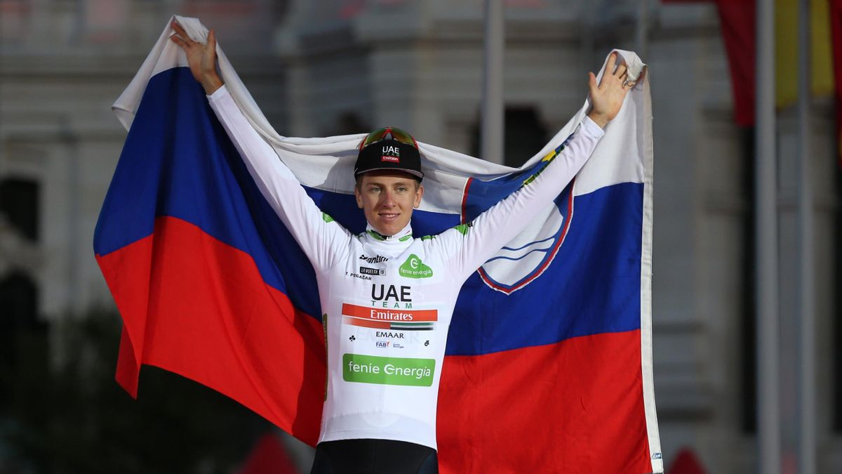 Tadej Pogaçar, en el podio de La Vuelta
