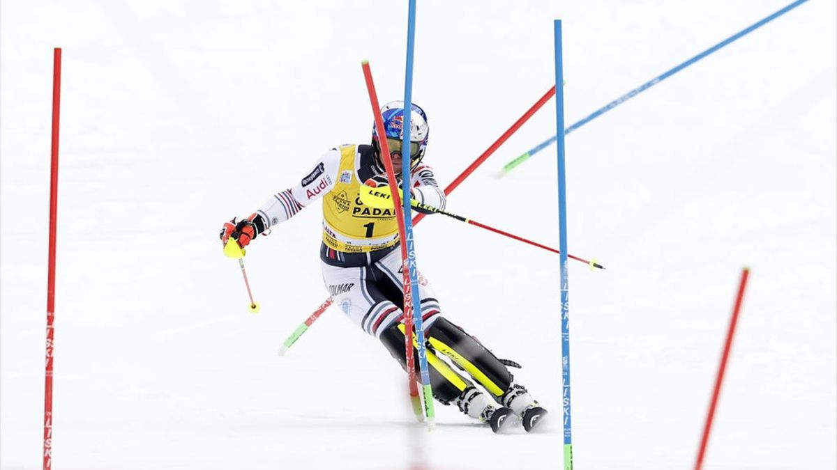 Alexis Pinturault of France competes during the Audi FIS Alpine Ski World Cup Men's Slalom on December 21, 2020 in Alta Badia